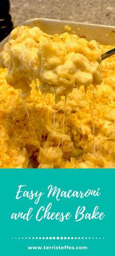 This mac and cheese is made in one pan, so makes for very easy clean up!  #easymac #macandcheese #onepanmacandcheese