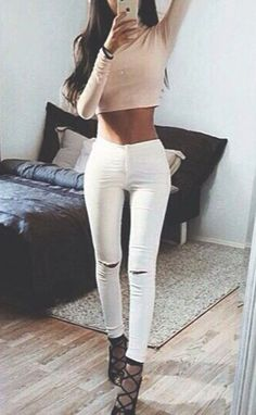 ripped+white+jeans+cute+pretty+adorable+outfit #omgoutfitideas #styleoftheday #outfitoftheday