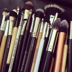 Don't let anyone ever tell you that the brand of makeup brushes don't make a difference!