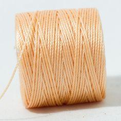 Hilo macramé - Beryllos: abalorios, cuentas y fornituras. Light peach.