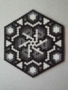 perler hexagon freestyle unmelted side