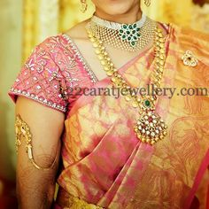 South Indian bride wearing traditional yet trendy ram leela long chain with flat diamonds. Two step huge diamond emerald pendant merge. South Indian Bridal Jewellery, Indian Bridal Sarees, Indian Jewellery Design, Wedding Jewelry, Indian Jewelry, Jewellery Designs, South Indian Bride, Blouse Designs, Womens Fashion