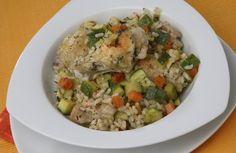 Roerbakschotel met kip, courgette en rijst