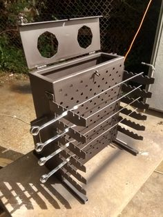 Diy Wood Stove, Wood Stove Cooking, Metal Sheet Design, Diy Outdoor Fireplace, Metal Grill, Outdoor Cooking Area, Barbecue Pit, Diy Grill, Wood Fired Oven