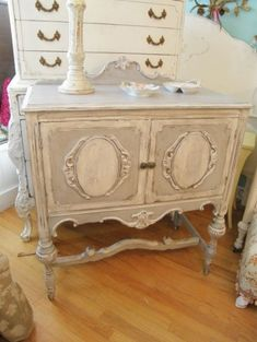 painted shabby chic buffet