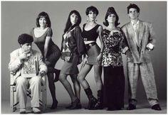 Pedro Almodovar, Carmen Maura, Rossy De Palma, Maria Barranco, Julieta Serrano ed Antonio Banderas in una foto promozionale per Donne sull'o...