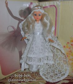 Les quatre plus célèbre bibi-bo: mariée (fleurs de citron), infirmière (Sweet Angel), étoile (Frou Frou), Ballerina (Bolchoï).  Die vier berühmtesten Bibi-bo: Braut (Zitrone Blumen), Krankenschwester (Sweet Angel), Stern (Frou Frou), Ballerina (Bolschoi).