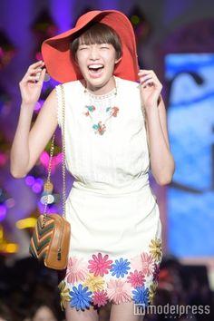 佐藤栞里(C)モデルプレス Southern Prep, Girl Fashion, Japan, Actresses, Model, Style, Women's Work Fashion, Female Actresses, Swag