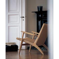 CH25 chair | Available at Skandium, www.skandium.com