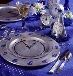 New years eve party plates  pinterest.com/... #hamptoninnmonroeville  www.facebook.com/... #pittsburghhotel