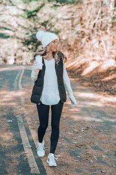 36 Lovely Women Winter Outfits Ideas Enjoy The Snow Sporty Outfits Enjoy ideas Lovely Outfits Snow Winter women Cute Fall Outfits, Winter Outfits Women, Casual Winter Outfits, Mom Outfits, Winter Fashion Outfits, Look Fashion, Autumn Fashion, Womens Fashion, Fashion Spring
