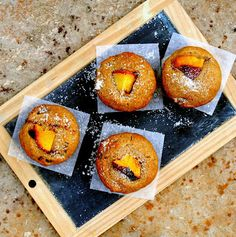 """a recipe for """"Salutiamoci"""": small peach cakes (without sugar, eggs, butter)"""
