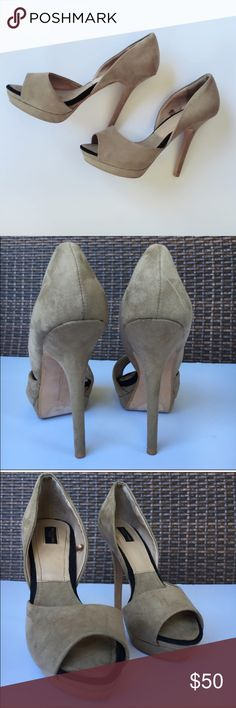 Zara | Peep Toe Cream/Nude Pumps Perfect for any occasion! Extremely stylish and sexy! Velvet material. Excellent condition, worn only twice. 💕 Bundle 3 items and get 30% OFF. Offers welcome. No trades please 💕 Zara Shoes Heels