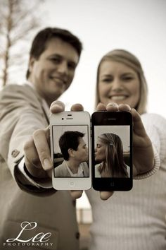 adorable - his and her iPhone kiss- Too bad I don't have an iphone also?