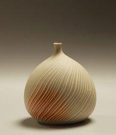 matsui kosei 1973    410px-477px-Small-early-neriage-vase.jpg