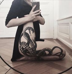 Get to See the Latest SnakeTattoo designs and trends You can check out Japanese Snake Tattoos, Traditional Snake tattoo, Snake tattoo hand and snake symbols. These tattoos will being meanings to your body and much more to this art. Botanisches Tattoo, Piercing Tattoo, Leg Tattoos, Body Art Tattoos, Tribal Tattoos, Full Body Tattoos, Cobra Tattoo, Dark Tattoo, Tattoo Girls