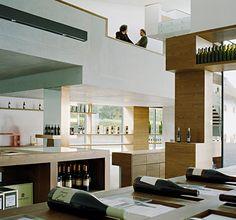 Eventlocation in Südtirol: Das Winecenter Kaltern. Großartige Architektur und herrliche Weine.