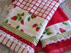 https://flic.kr/p/8mL3uQ | Love Strawberry pie, strawberry tart and strawberry towels. | I just love strawberry pie and tarts. I made these strawberry towels for my red and white kitchen theme. thedecorativetowel.com