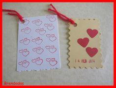 Etiquetas con corazones (de sellos o con cartulina) para San Valentín