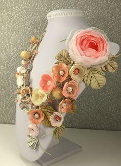 Сахарно - Розовый Этюд. Колье, брошь, цветы - разноцветный,белый,розовый