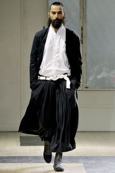YOHJI YAMAMOTO SS 2012. I dont know about the pants, but the rest is hot.