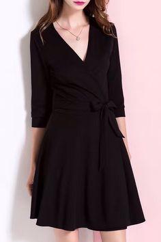 Love the Ruffle Hem! Plunging Neck Wrap Work Dress #working_woman #fashion #work_dresses
