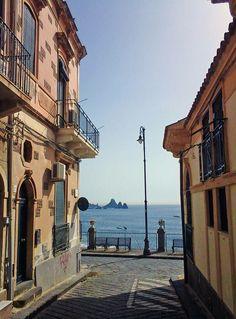 Acitrezza (Catania)