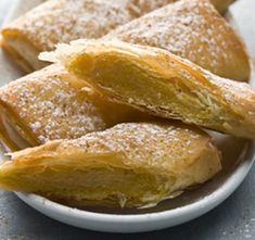 Portuguese Desserts, Portuguese Recipes, Portuguese Food, Tart Recipes, Sweet Recipes, Cheesecakes, Xmas Desserts, Good Food, Yummy Food