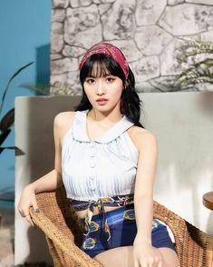 Nayeon, Kpop Girl Groups, Korean Girl Groups, Kpop Girls, Extended Play, Japanese Birthday, Sana Momo, Chou Tzu Yu, Toddler Girls