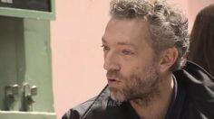 <i>Vincent Cassel dans l'émission </i>Conversations secrètes <i>de Canal + (Capture d'écran).</i>