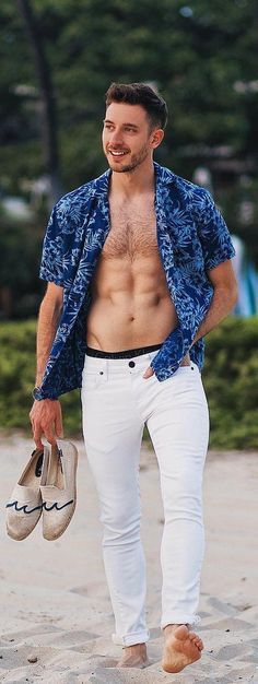 e766a6982b1 7 Summer Beach Outfit Ideas for Men