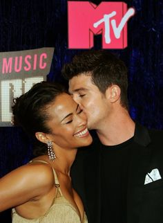 Pin for Later: A Sweet, Somewhat Hilarious History of Celebrity Couples at the MTV VMAs Robin Thicke and Paula Patton, 2007