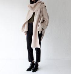 beige scarf.