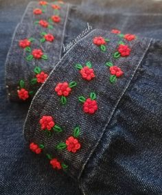how to learn hand embroidery stitches Hand Embroidery Videos, Embroidery Flowers Pattern, Embroidery On Clothes, Simple Embroidery, Embroidered Clothes, Hand Embroidery Stitches, Embroidery For Beginners, Hand Embroidery Designs, Ribbon Embroidery
