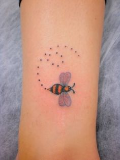 Cute honey bee tattoo - photo#21