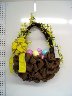 Make an Easter Basket with Deco Poly Burlap and RAZ Easter Boy Chick basket-yellow-bow-eggs-craft-table Burlap Crafts, Wreath Crafts, Diy Wreath, Diy Crafts, Wreath Ideas, Wreath Making, Holiday Wreaths, Holiday Crafts, Spring Wreaths