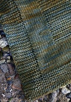 podkins: Malt by tincanknits – this pattern is available as a free Ravelry download. Learn to knit with Alexa and Emily! The Malt Blanket is the first project in The Simple Collection - a learn to knit series with 8 excellent free patterns and clear tutorials.