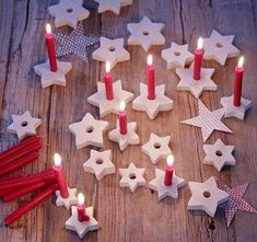 ▷ Decoration with stars - ideas for Christmas and DIY- ▷ Deko mit Sternen – Ideen zu Weihnachten und Selber machen ▷ Decoration with stars – ideas for Christmas and DIY Centerpiece Christmas, Clay Christmas Decorations, Holiday Crafts, Christmas Ornaments, Diy Ornaments, Dough Ornaments, Homemade Ornaments, Christmas Candle, Noel Christmas
