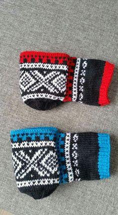 Ølvott = beer mittens Knit Socks, Knitting Socks, Tea Cozy, Mittens, Friendship Bracelets, Beer, Fashion, Threading, Fingerless Mitts