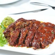 Spare Ribs in de Slowcooker recept Multicooker, Spare Ribs, Bbq, Food And Drink, Meat, Recipes, Slow Cooker, Indian, Barbecue