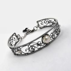 Wire Jewelry Rings, Wire Jewelry Designs, Agate Jewelry, Metal Bracelets, Metal Jewelry, Jewellery, Bijoux Fil Aluminium, Diy Jewelry Inspiration, Wire Wrapped Bracelet