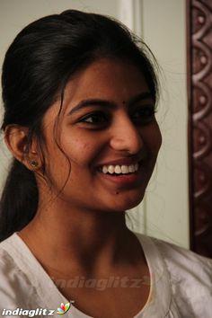 Beautiful Girl In India, Beautiful Girl Photo, Beautiful Saree, Beautiful Indian Actress, Most Beautiful Women, Indian Actress Images, Tamil Actress Photos, South Indian Actress, Beauty Girls