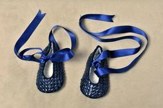 Felt Baby Shoes by Lefateignoranti on Etsy, €35.00