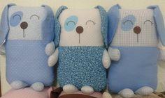 Travesseiro infantil confeccionado em tecido 100% algodão e com enchimento anti-alérgico.