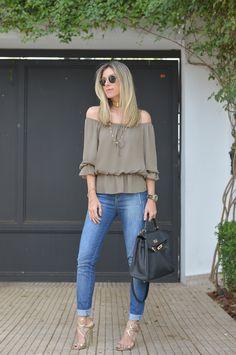 Nati Vozza do Blog de Moda Glam4You dá dia de look casual chic para o trabalho.