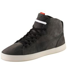 Men's Urban Glide High Tops:  High Tops from the PUMA Archives. Realised by star designer Hussein Chalayan for your ultimate street style.    Upper made of leather: Elegant and a pleasure to wear.  Opening and tongue with extra padding. Even more comfortable.  Rubber sole with Archive features. Firm grip and casual style.  Great detail: PUMA formstrip and lacing with shadow effects.
