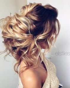 Trendy Wedding Hairstyles :   Featured Hairstyle: Elstile; www.elstile.com; Wedding hairstyle idea.    - #WeddingHairstyles