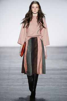 http://www.vogue.com/fashion-shows/fall-2016-ready-to-wear/vivienne-tam/slideshow/collection
