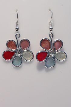 #Boucles d'oreille fleur aluminium, bulle de vernis, blanc rose bleu fuchsia #BijouxFantaisie
