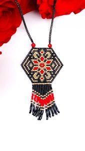 Beaded fringed necklace, brick knit necklace, Miyuki Delica, pearls, miyuki tissage - Women's Here Seed Bead Necklace, Seed Bead Jewelry, Bead Embroidery Jewelry, Beaded Embroidery, Loom Beading, Beading Patterns, Knitted Necklace, Fringe Necklace, Beaded Jewelry Designs